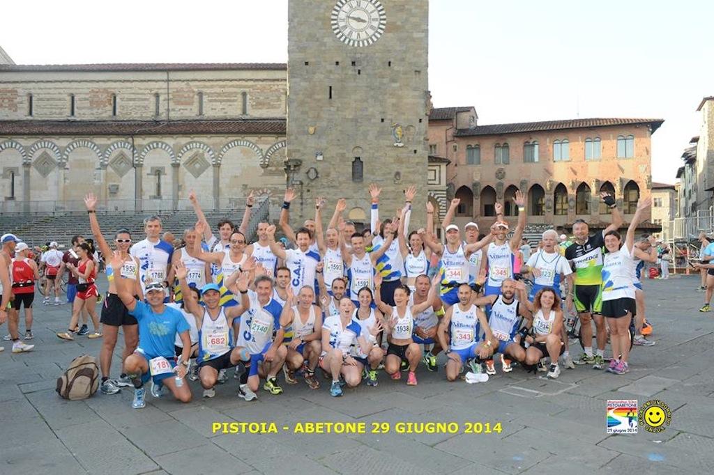 Foto podisti Ca.I. alla partenza della Pistoia-Abetone